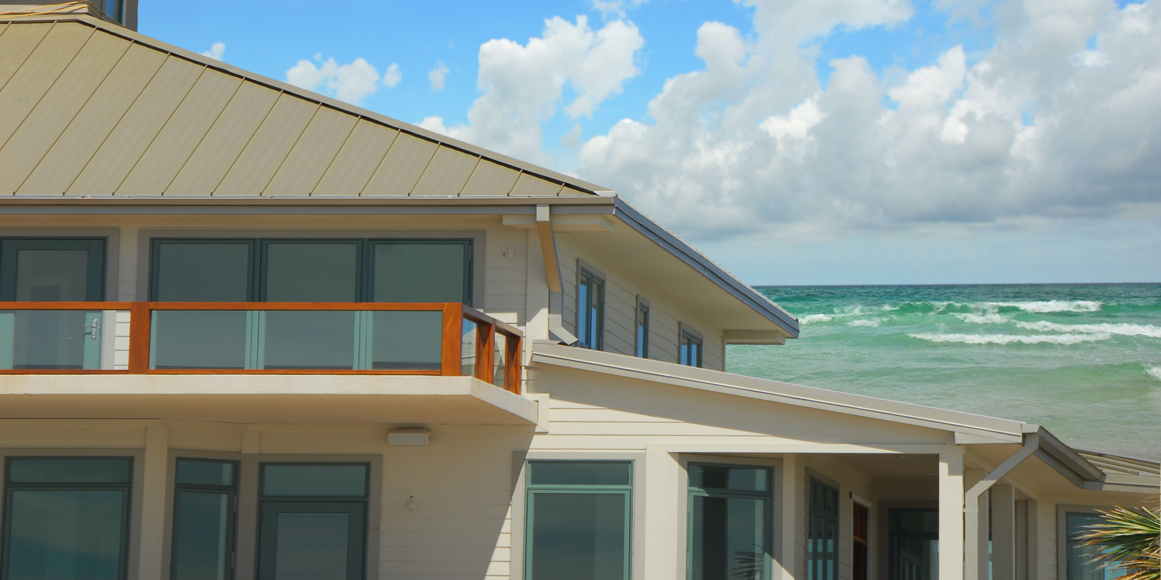 3 Hurricane Windows For Increasing Your Home's Curb Appeal